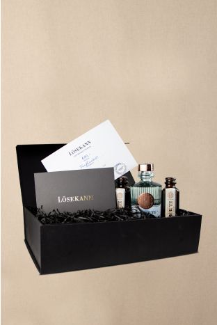 Gutschein Box schwarz 500 EUR + Le Tribute Gin & 2x Tonic Water